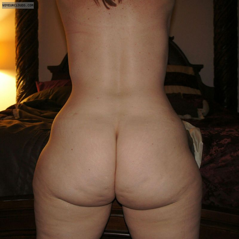 butt Naked round