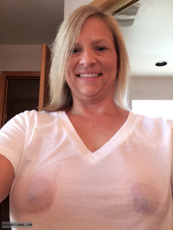 wife nipples, blonde milf, braless friday, pokies
