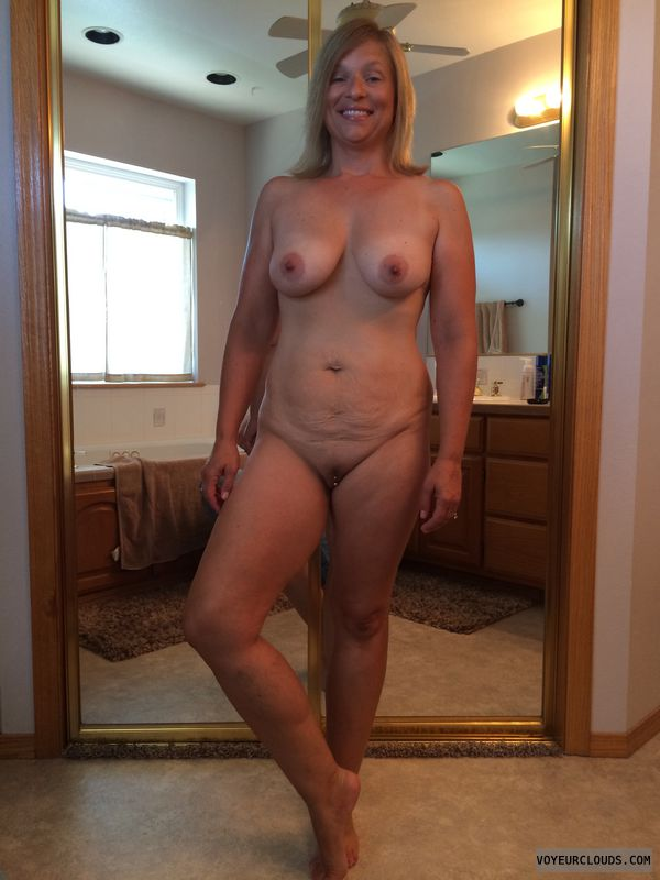 Prissy naked wives