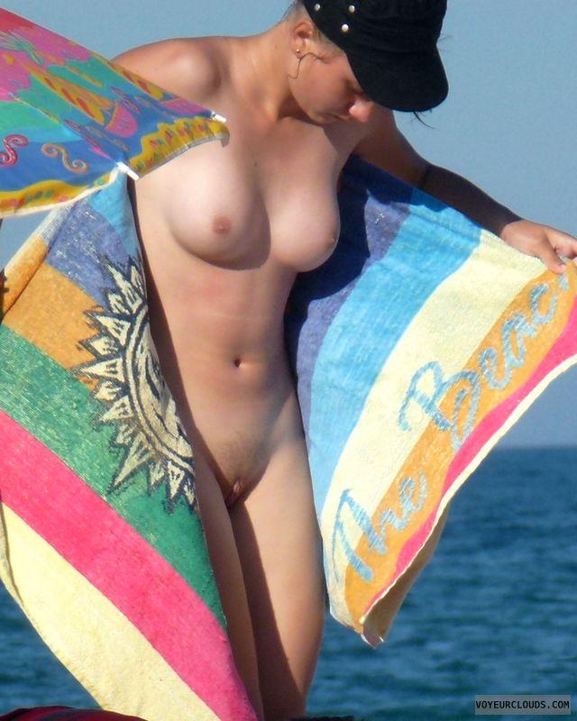 beach voyeur pics, nude voyeur pics, beach nude pics