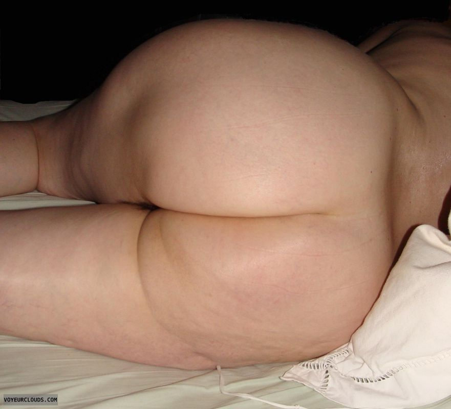 mature wifes nude asses