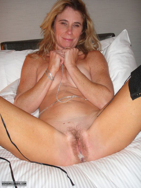 Rico Strong Squirting Milf