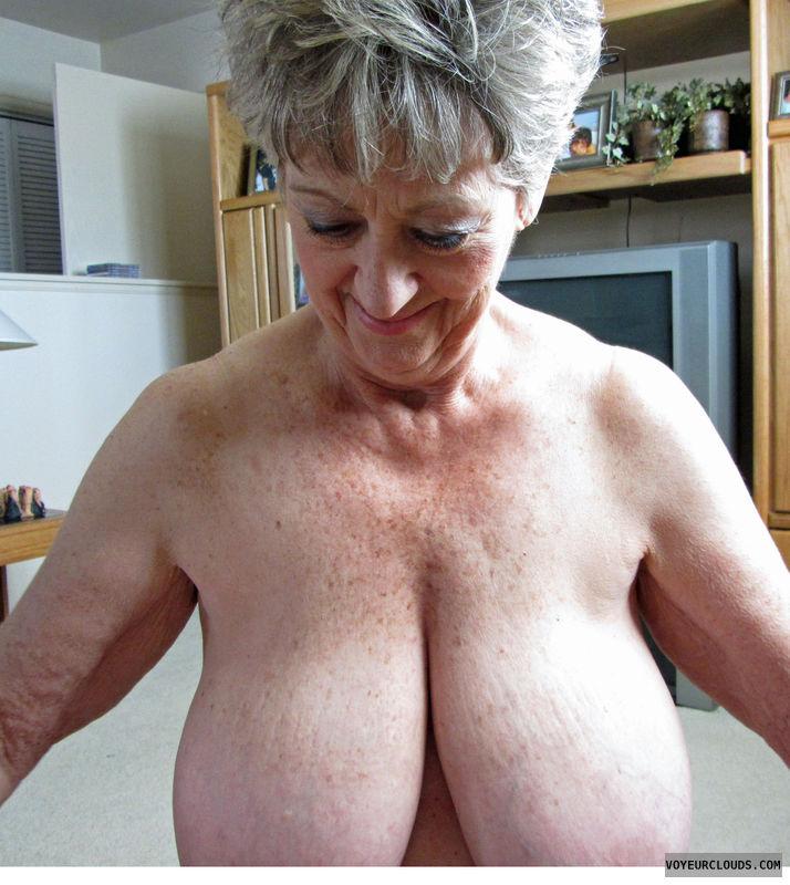 Huge Tits Mature Women 51