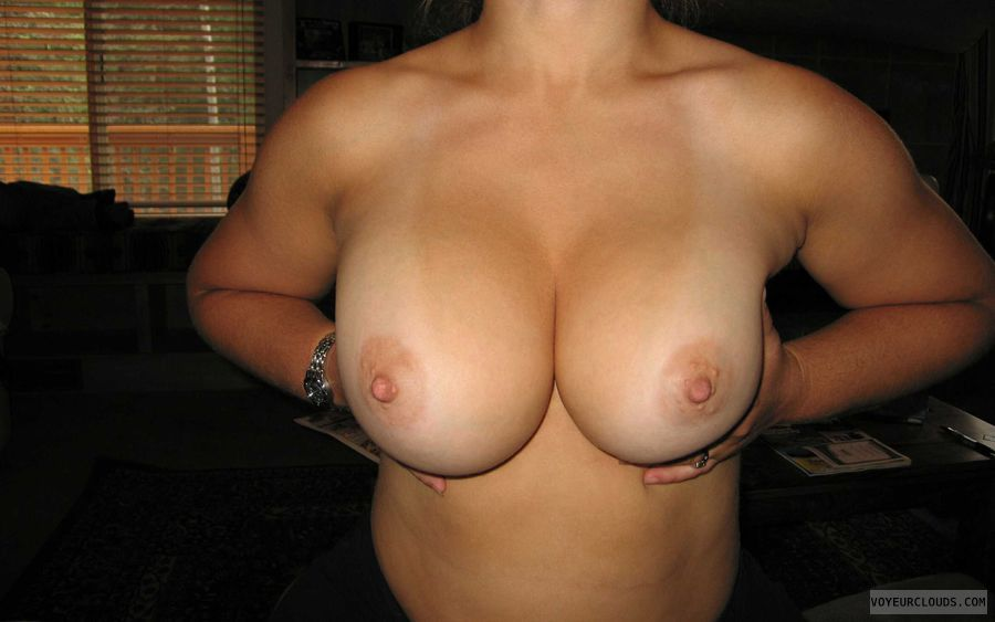 topless wife, wife tits, big tits, big boobs, hard nipples