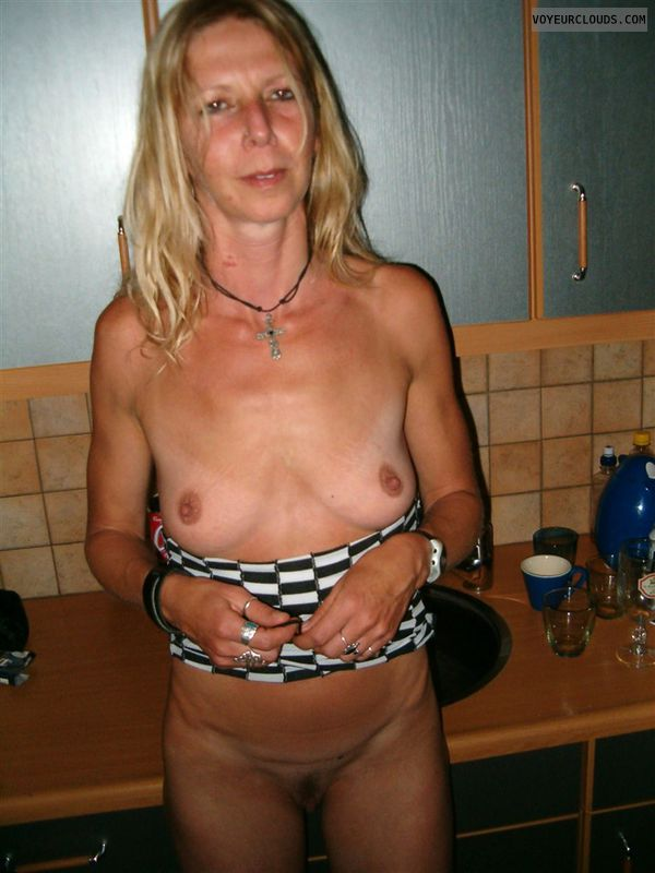 66 year old slut linda - 3 10