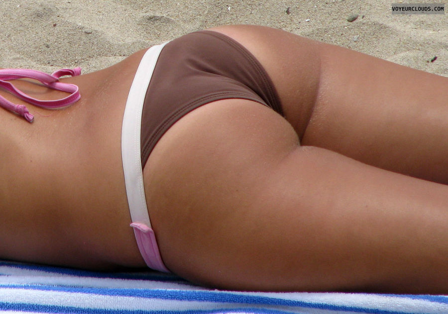 beach voyeur, sexy ass, bikini ass, tanning, beach spy