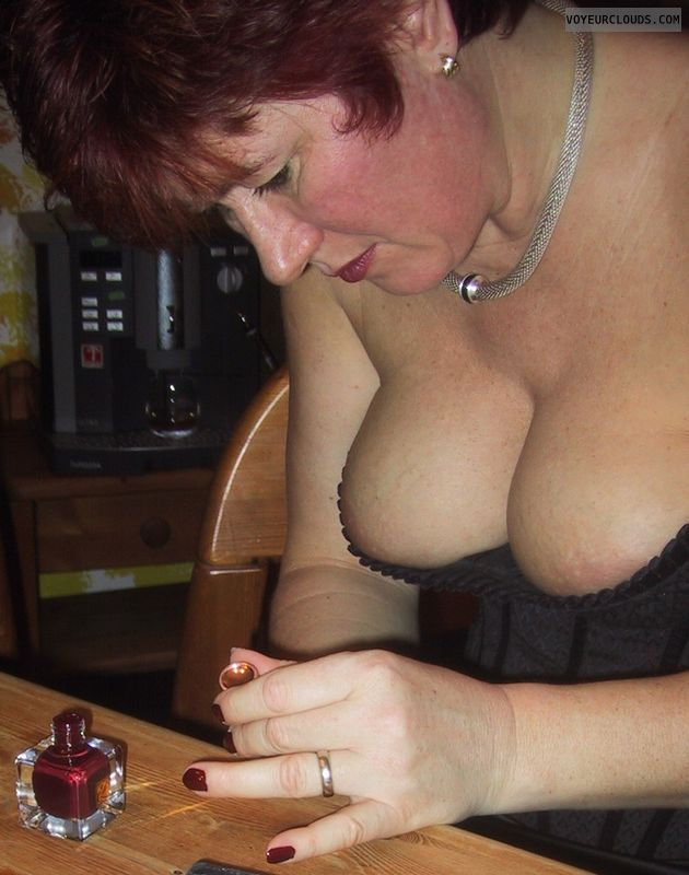 big titts, red nails, power woman, milf, berfore nightlife