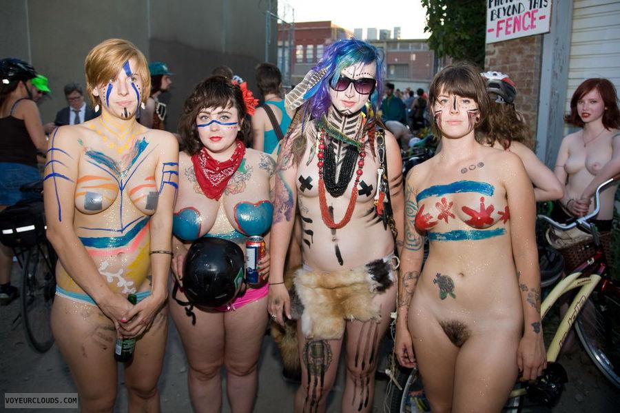 nude woman, body painting, street voyeur