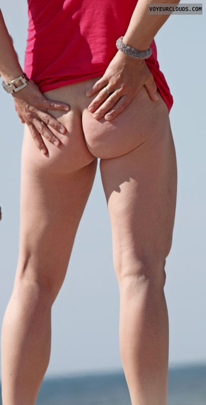 beach voyeur, round butt, round ass, bottomless, beach ass