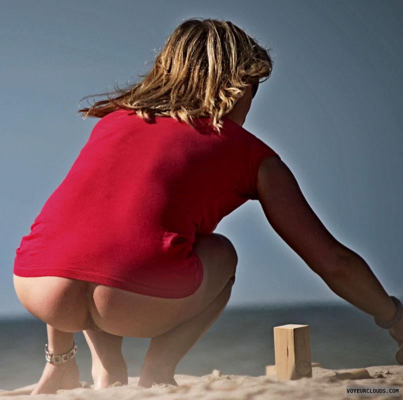 beach voyeur, bottomless, milf, nude woman, naked woman