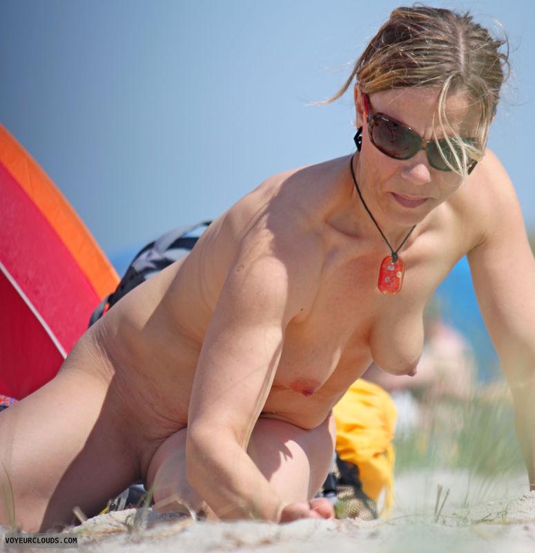 beach voyeur, beach, nude, nudist voyeur