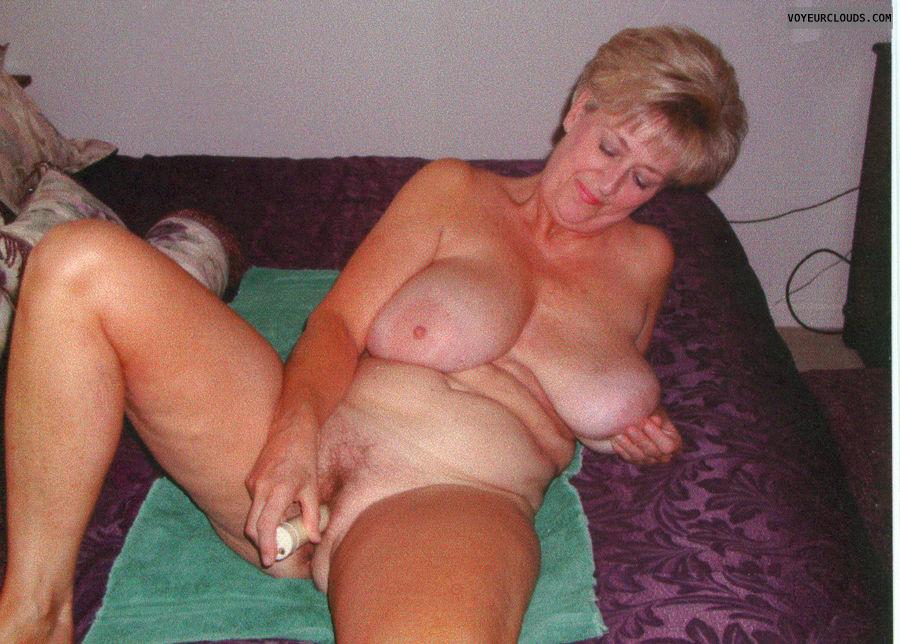 woman using vibrator porn