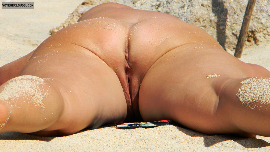 Homemade naked beach pics