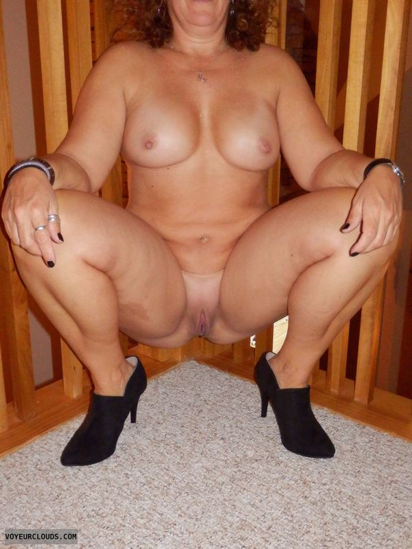 Nude Wife, Nude MILF, Wife Pussy, Smooth Pussy, MILF Pussy