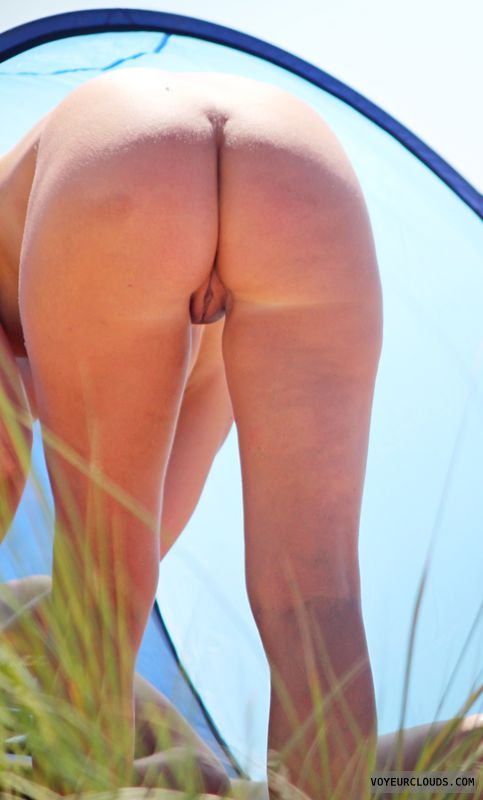 voyeur-butts-nude-strip-car-girl-gif