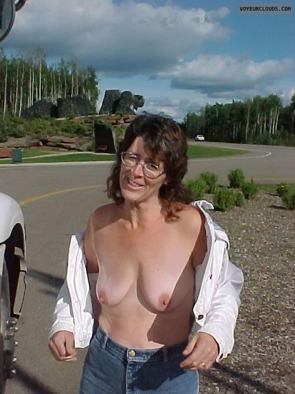 Open Top Tits Showing Road Side Photo - Midsizeguy Amateur ...