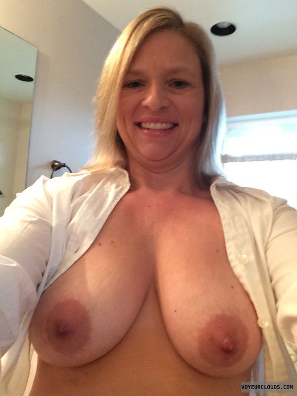 Blonde MILF, Milf, Boobs, Tits, Large Areolas, Nips