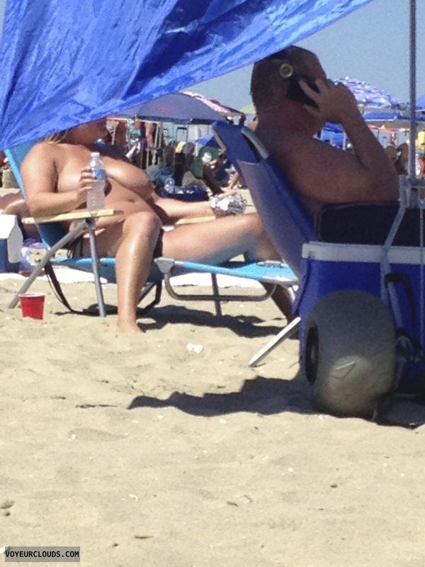 topless, big ttis, beach pic