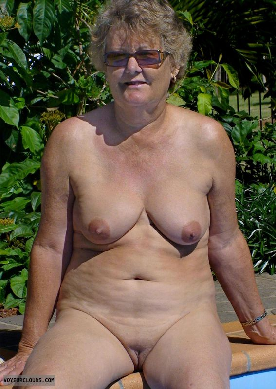 Mature naked hairless women