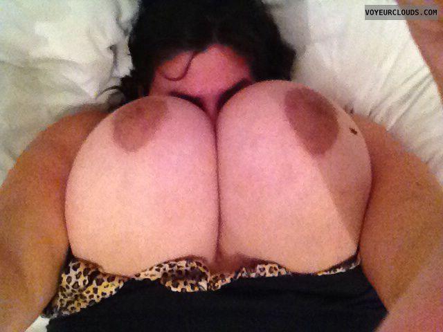 Big tits, big boobs, topless wife, nude wife, naked wife