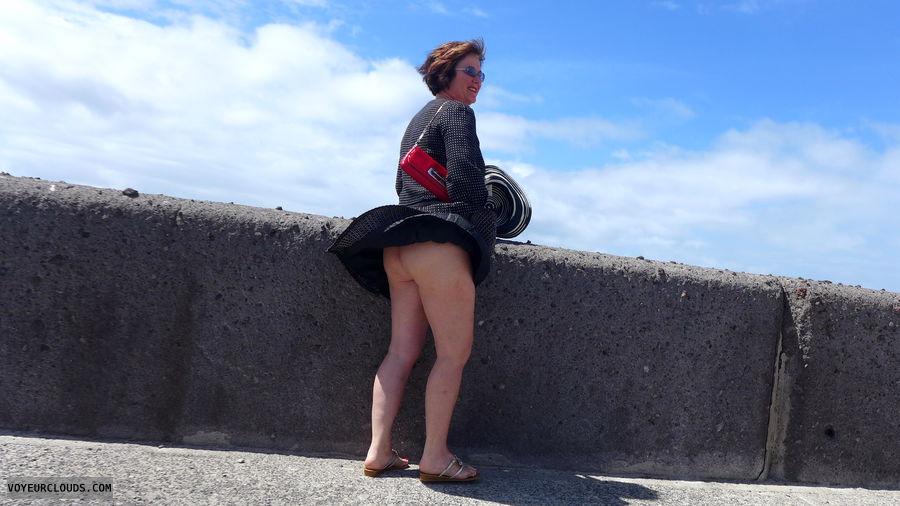 upskirt, bottomless, ass peek
