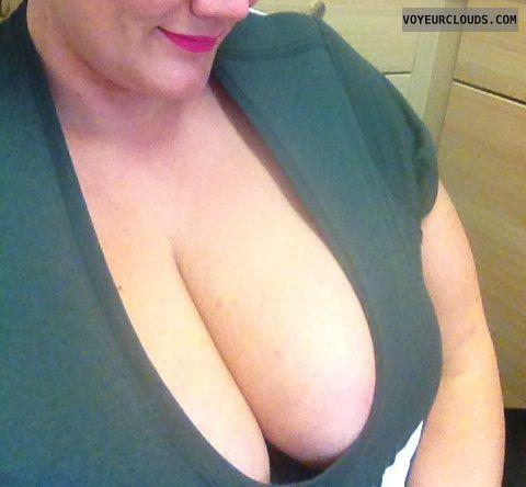 Big tits, big boobs, deep cleveage, down top, naughty wife