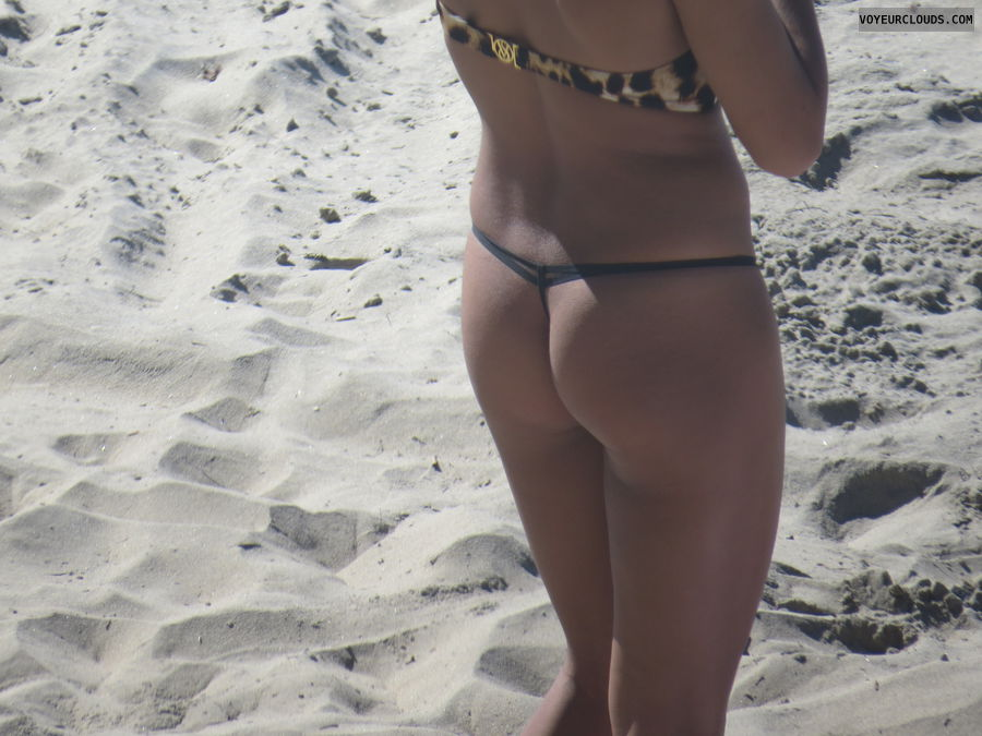 small thong, round ass, bikini voyeur, beach voyeur