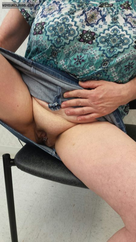 wifes pussy, pussy flash, flashing, pussy, shaved pussy