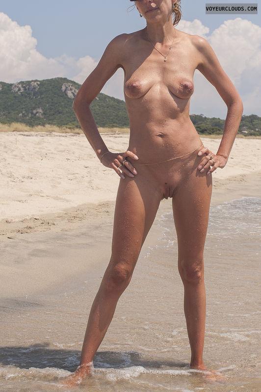 Wife beach tits nude