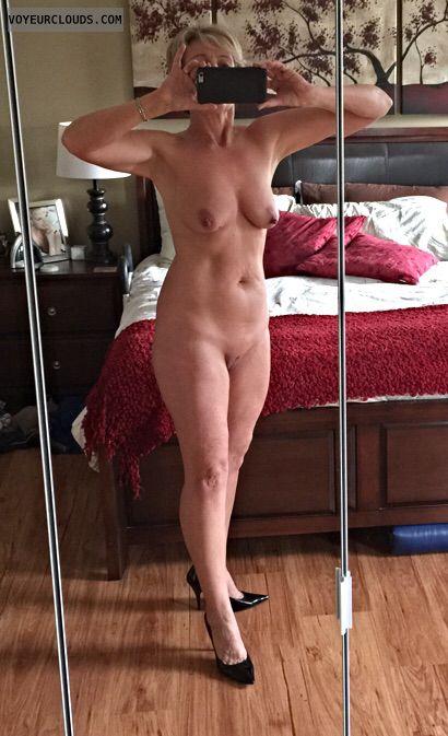 Nude Selfie Blog