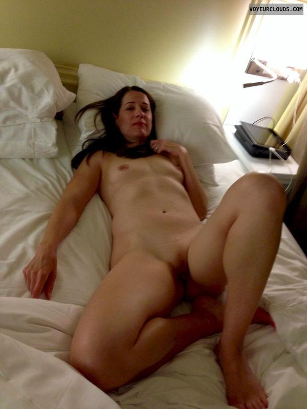 tiny amateur wife nude