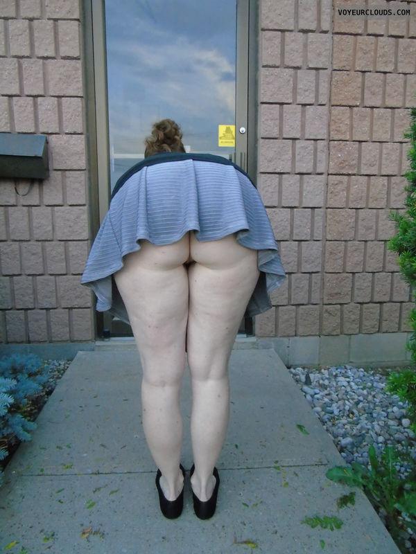 Upskirt Fat Ass 27