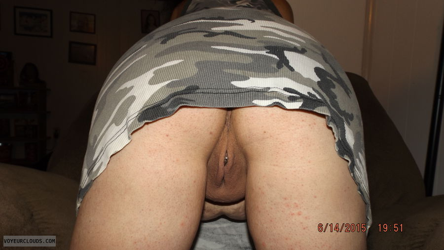 wet shaved bent over pussy - hq photo porno