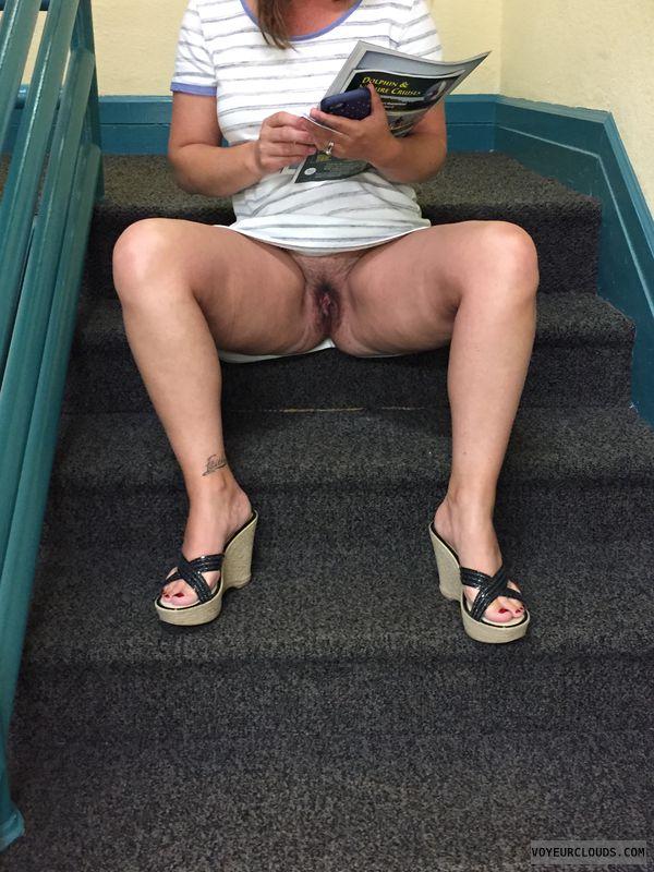 Open pussy upskirt