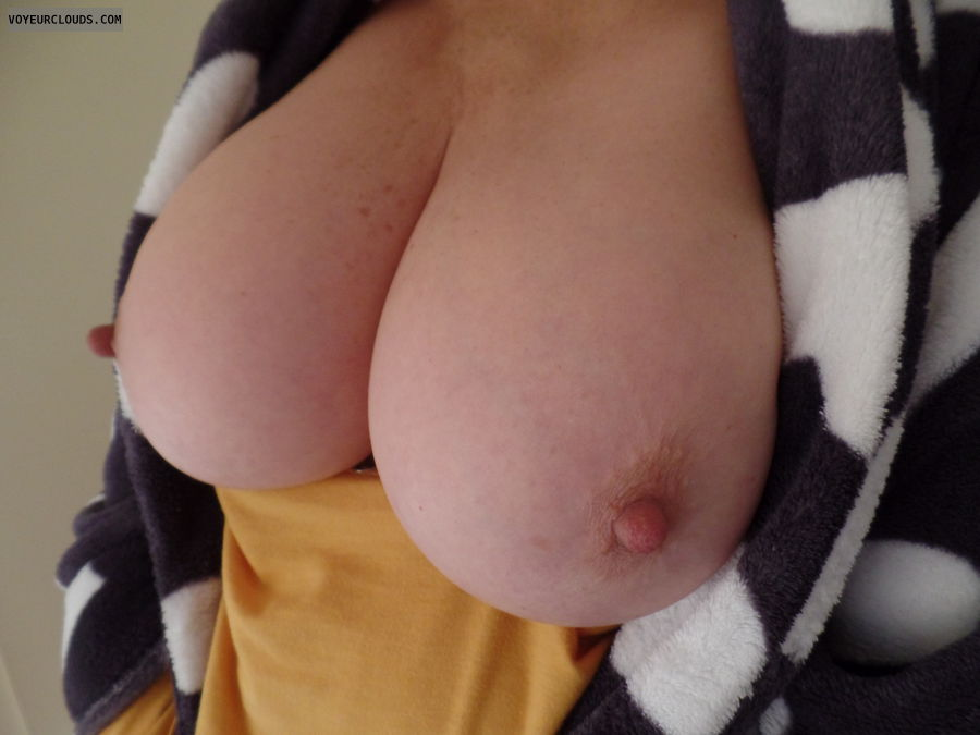 Big boobs, Long nipples, Thick nipples, Cold Tits