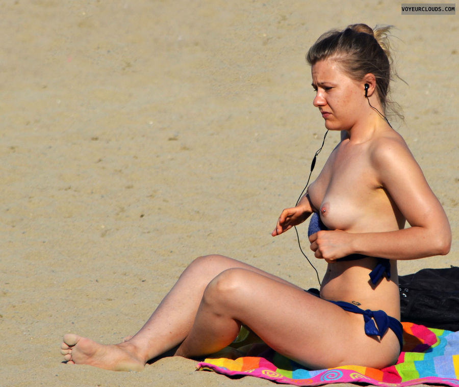 beach voeur, beach tits, topless beach, pierced nipples