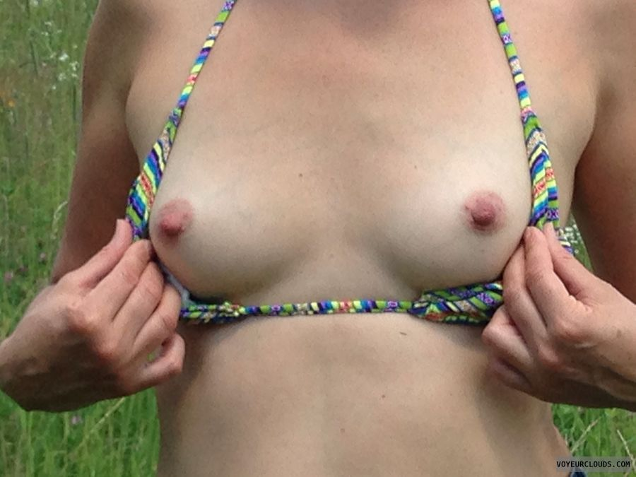 flashing, tits, exibitionist, milf, small tits, nipples