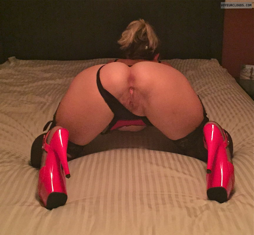 milf pussy, round butt, roun ass, high heels, wife ass