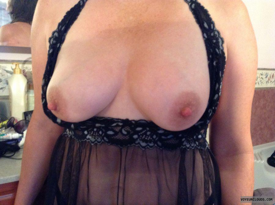 medium tits, medium boobs, breasts, tits out, hard nipples