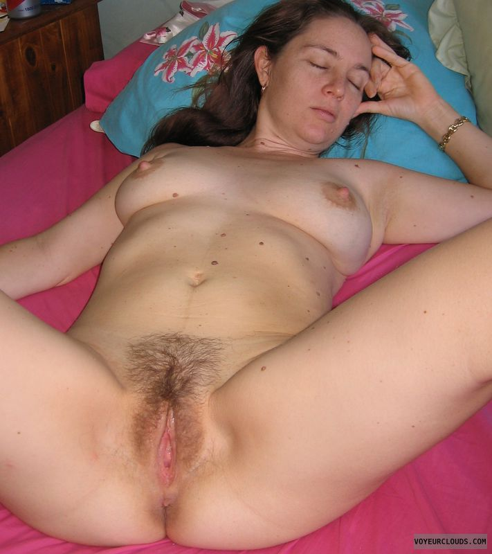 Amateur spread homemade dick leg