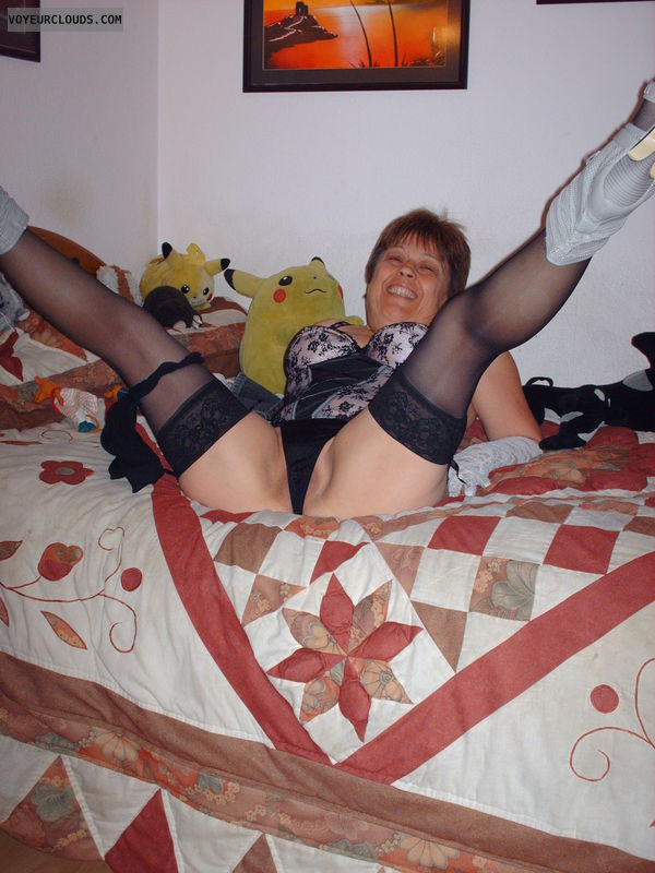 MILF, Spread legs, Lingerie, High heels
