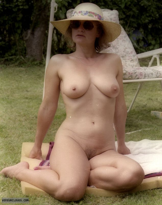 naked, tits, yvonne, nipples, trimmed bush, mature