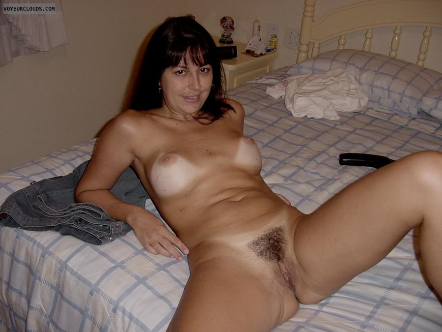 Amateur wife naked tanlines
