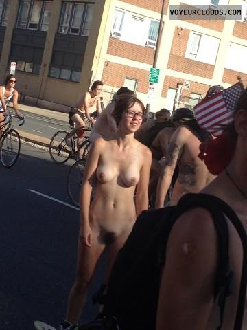 philly naked bike ride, philly, candid, nuded, skateboarder