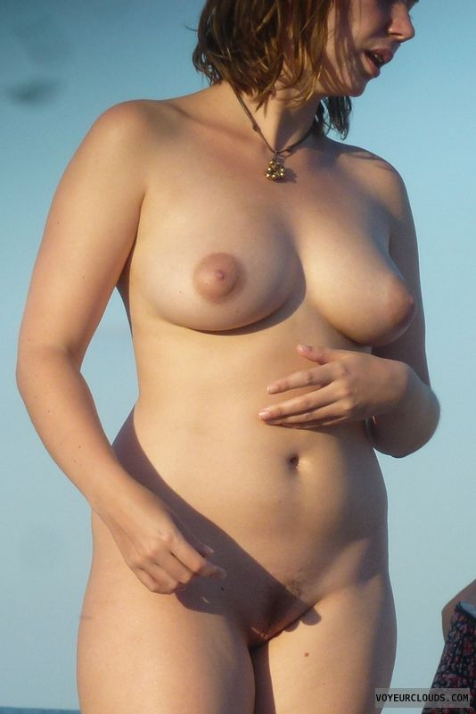 beach beauty, voyeur nude beach, big boobs, nude girl