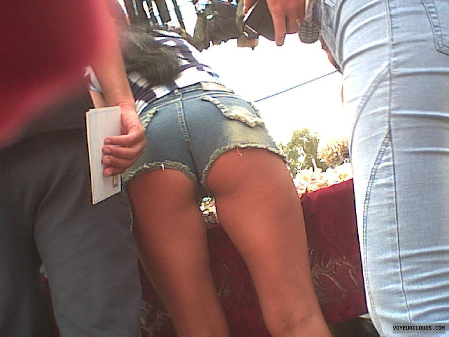 sexy shorts, cameltoe, voyeur street, up-view, public