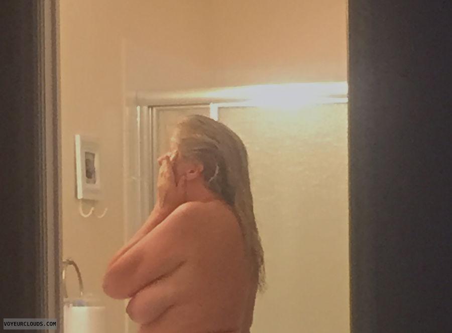 topless, big tits, side boob, voyeur