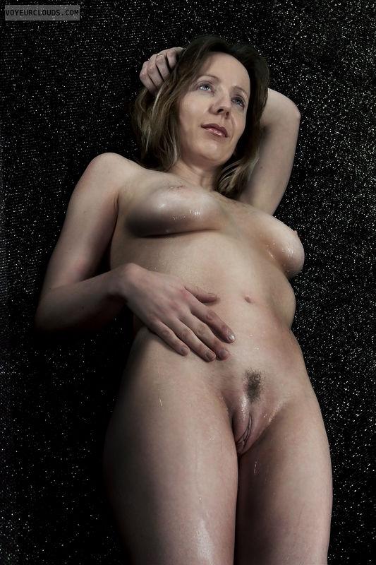 Nude women landing strip opinion