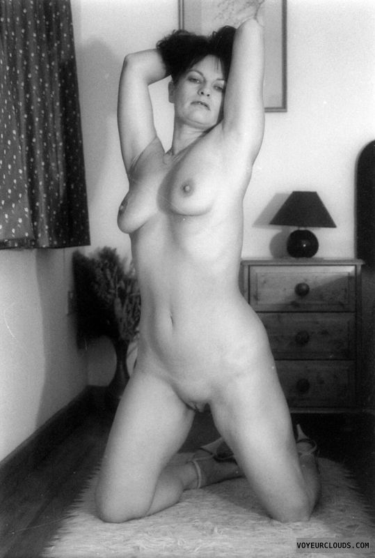 shaved pussy, small tits, full nude, black and white