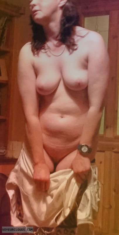 nude woman, naked woman, medium tits, medium boobs